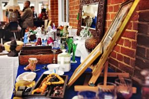 Lingfield Antiques, Collectables and Vintage Fair @ Lingfield Park Racecourse | England | United Kingdom